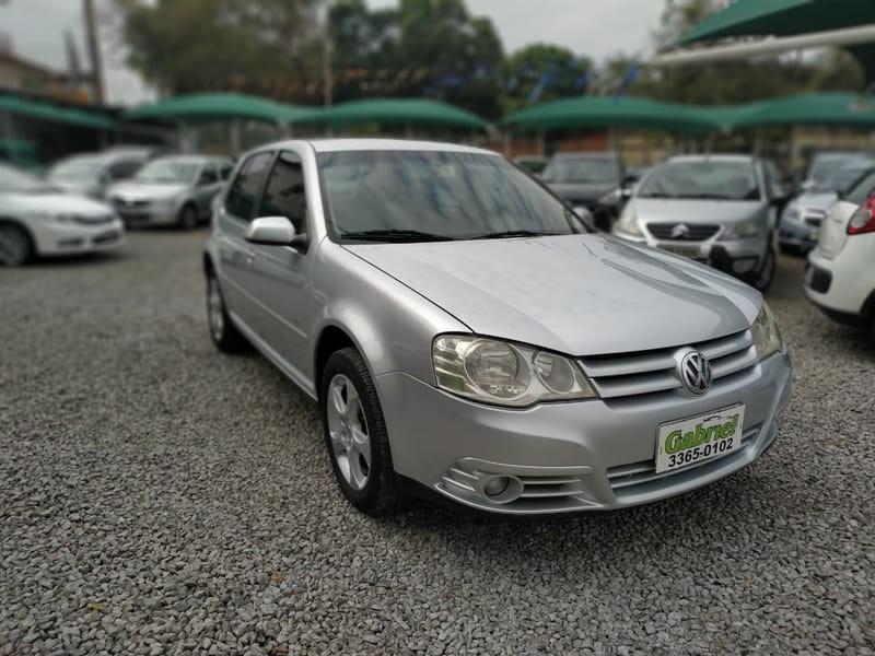 //www.autoline.com.br/carro/volkswagen/golf-16-8v-flex-4p-manual/2009/cuiaba-mt/9408944