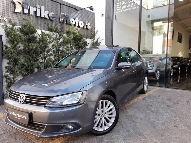 //www.autoline.com.br/carro/volkswagen/jetta-20-tsi-highline-16v-gasolina-4p-turbo-dsg/2013/sao-paulo-sp/11844576