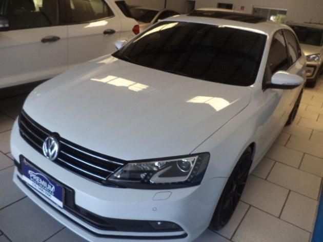 //www.autoline.com.br/carro/volkswagen/jetta-20-tsi-highline-16v-gasolina-4p-turbo-dsg/2017/tupa-sp/11876002