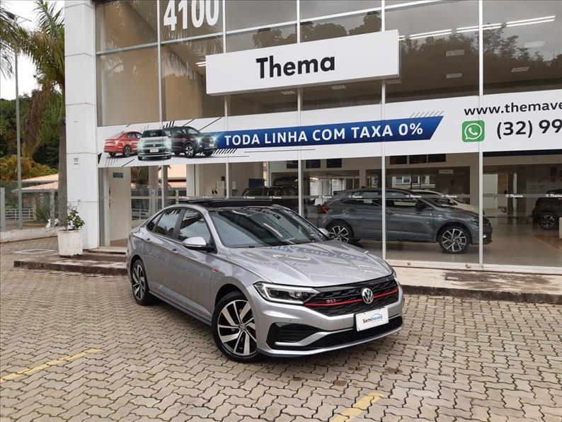 //www.autoline.com.br/carro/volkswagen/jetta-20-350-tsi-gli-16v-gasolina-4p-turbo-dsg/2019/juiz-de-fora-mg/12967292