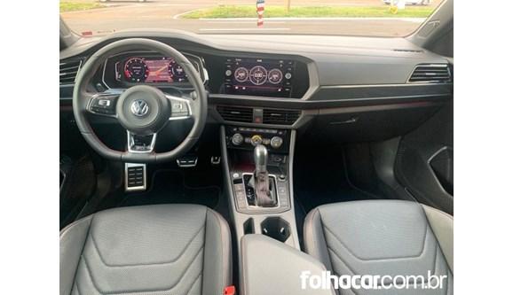 //www.autoline.com.br/carro/volkswagen/jetta-20-350-tsi-gli-16v-gasolina-4p-turbo-dsg/2019/londrina-pr/13006215