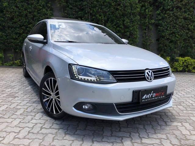 //www.autoline.com.br/carro/volkswagen/jetta-20-tsi-highline-16v-gasolina-4p-turbo-dsg/2013/mogi-das-cruzes-sp/13055636