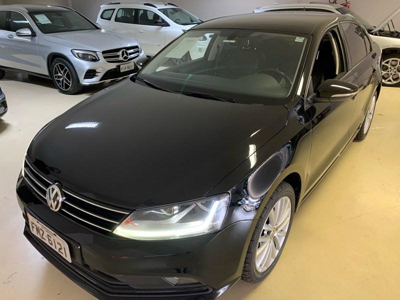 //www.autoline.com.br/carro/volkswagen/jetta-14-tsi-comfortline-16v-gasolina-4p-turbo-tipt/2017/campinas-sp/13165270