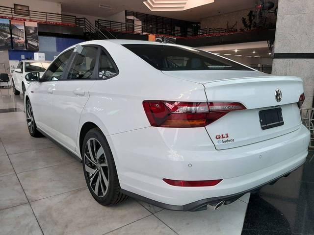 //www.autoline.com.br/carro/volkswagen/jetta-20-350-tsi-gli-16v-gasolina-4p-turbo-dsg/2020/juiz-de-fora-mg/13207949
