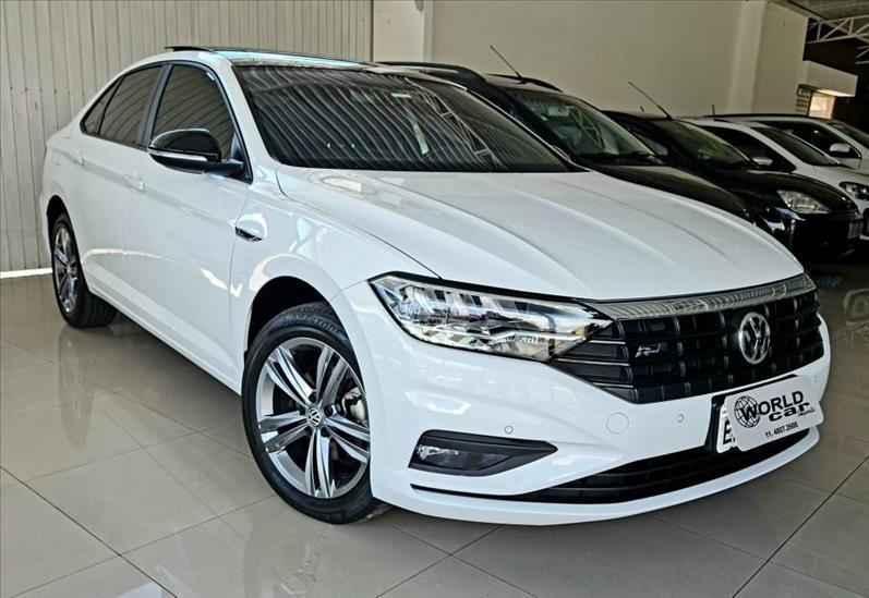 //www.autoline.com.br/carro/volkswagen/jetta-14-250-tsi-r-line-16v-flex-4p-turbo-tiptronic/2019/jundiai-sp/13325802
