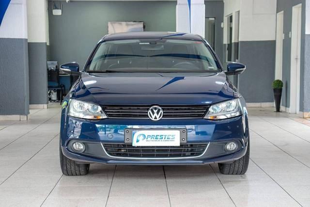 //www.autoline.com.br/carro/volkswagen/jetta-20-tsi-highline-16v-gasolina-4p-turbo-dsg/2013/santos-sp/13956343