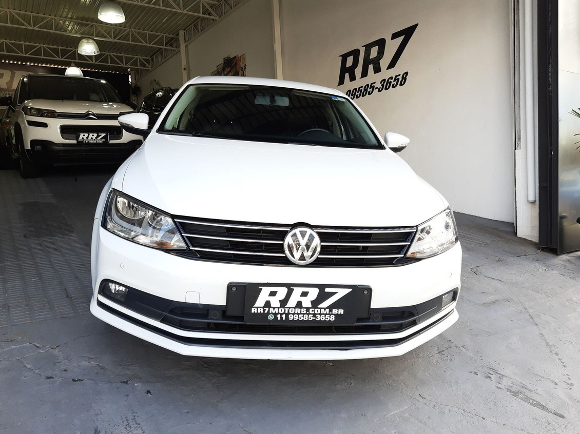 //www.autoline.com.br/carro/volkswagen/jetta-20-tsi-highline-16v-gasolina-4p-turbo-dsg/2015/sao-paulo-sp/14203841