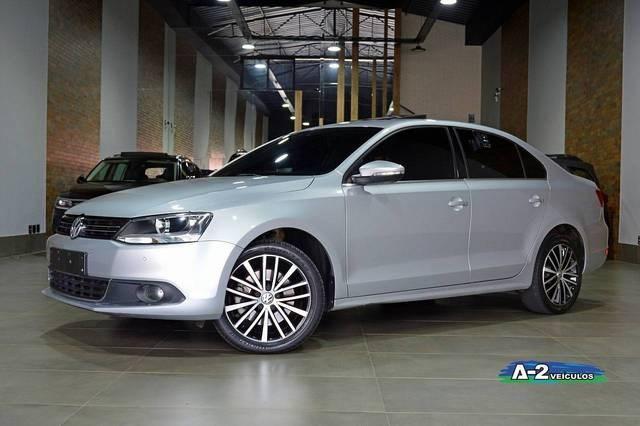 //www.autoline.com.br/carro/volkswagen/jetta-20-tsi-highline-16v-gasolina-4p-turbo-dsg/2012/campinas-sp/14370409