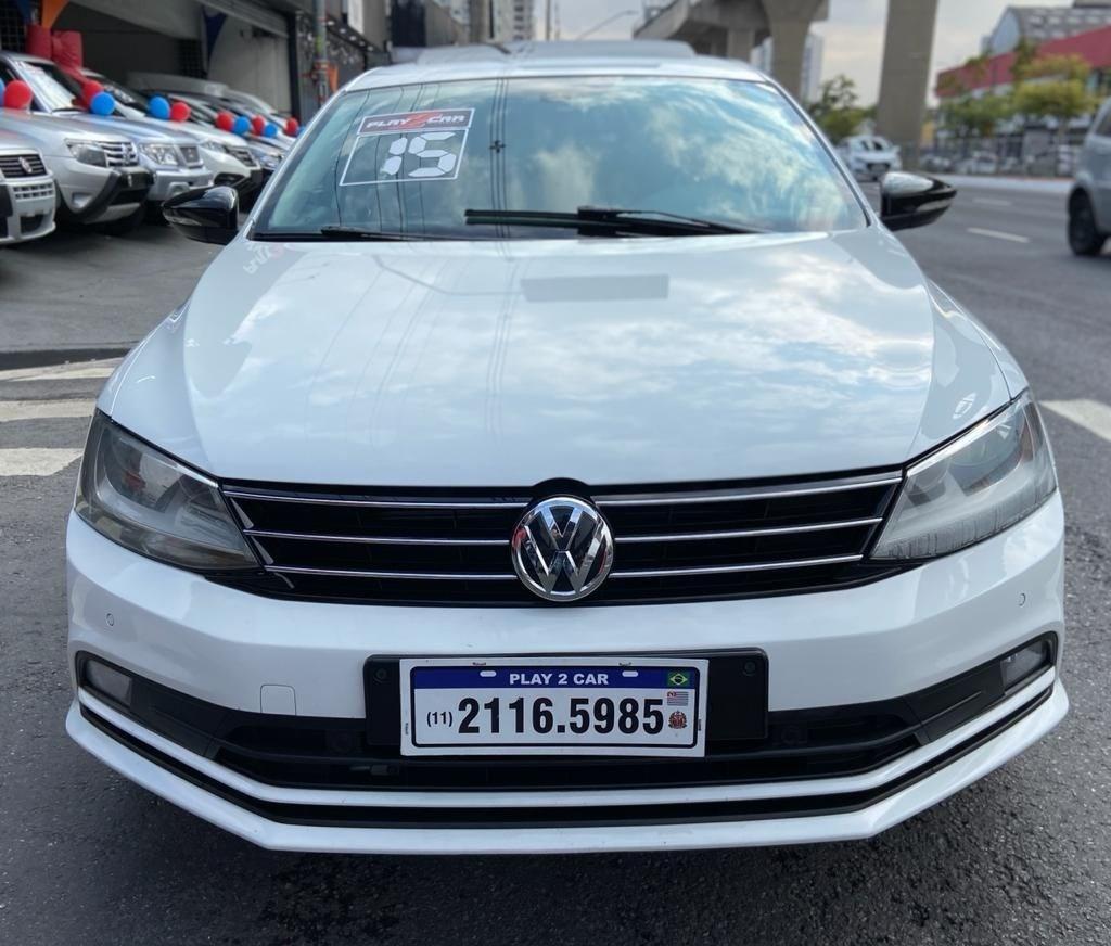 //www.autoline.com.br/carro/volkswagen/jetta-20-tsi-highline-16v-gasolina-4p-turbo-dsg/2015/sao-paulo-sp/14718272