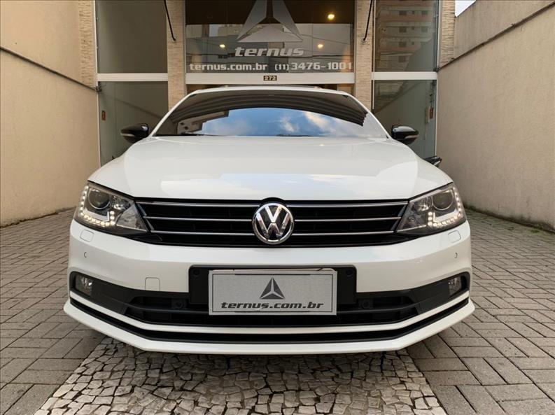 //www.autoline.com.br/carro/volkswagen/jetta-20-tsi-highline-16v-gasolina-4p-turbo-dsg/2015/sao-paulo-sp/14779479