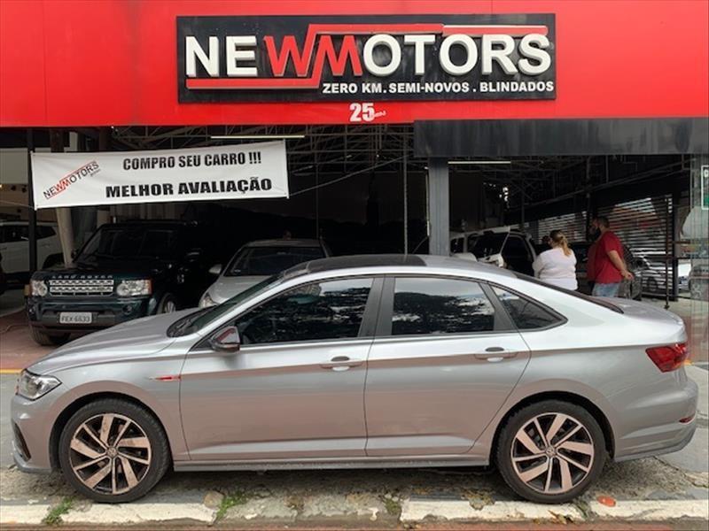 //www.autoline.com.br/carro/volkswagen/jetta-20-350-tsi-gli-16v-gasolina-4p-turbo-dsg/2019/sao-paulo-sp/14809622