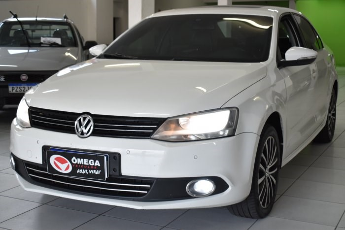 //www.autoline.com.br/carro/volkswagen/jetta-20-tsi-highline-16v-gasolina-4p-turbo-dsg/2012/sorocaba-sp/14915226