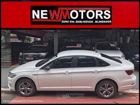 //www.autoline.com.br/carro/volkswagen/jetta-14-250-tsi-r-line-16v-flex-4p-turbo-tiptronic/2020/sao-paulo-sp/14915834