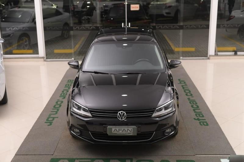 //www.autoline.com.br/carro/volkswagen/jetta-20-tsi-highline-16v-gasolina-4p-turbo-dsg/2012/curitiba-pr/14999534