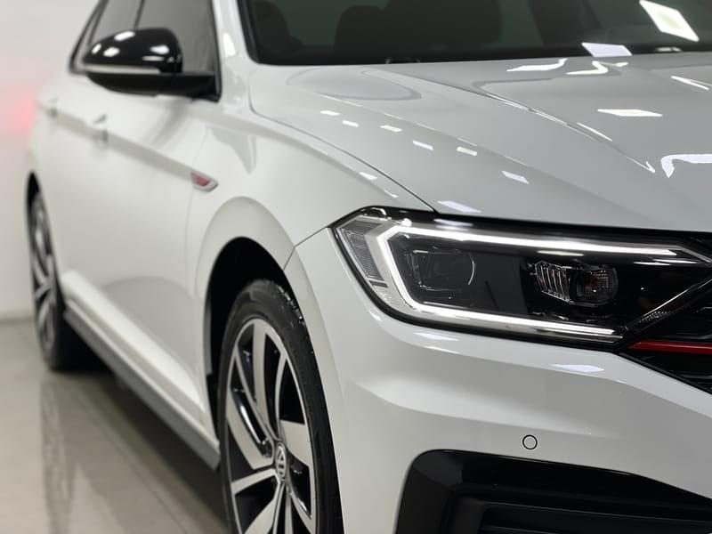 //www.autoline.com.br/carro/volkswagen/jetta-20-350-tsi-gli-16v-gasolina-4p-turbo-dsg/2019/vitoria-es/15132552