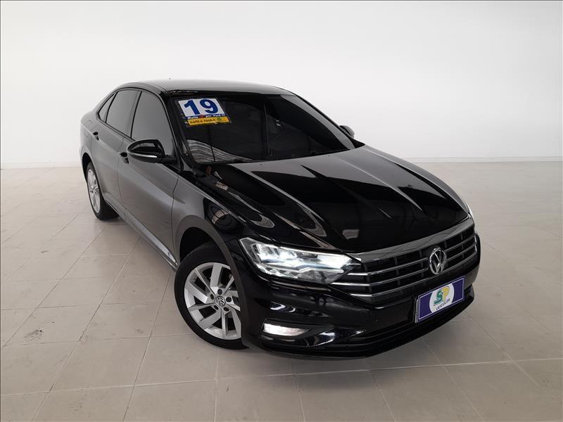 //www.autoline.com.br/carro/volkswagen/jetta-14-250-tsi-comfortline-16v-flex-4p-turbo-tipt/2019/sao-paulo-sp/15287038
