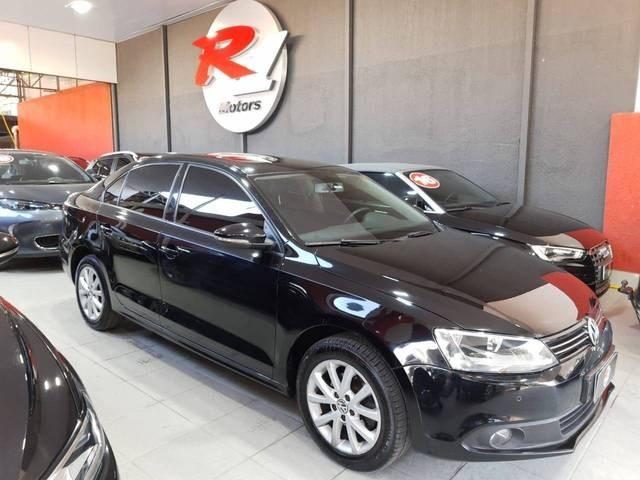 //www.autoline.com.br/carro/volkswagen/jetta-20-comfortline-8v-flex-4p-tiptronic/2013/sao-paulo-sp/15296856