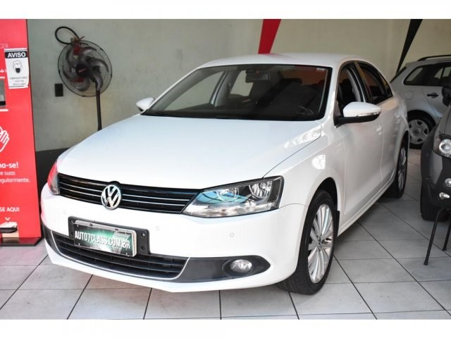 //www.autoline.com.br/carro/volkswagen/jetta-20-tsi-highline-16v-gasolina-4p-turbo-dsg/2013/sorocaba-sp/15554626