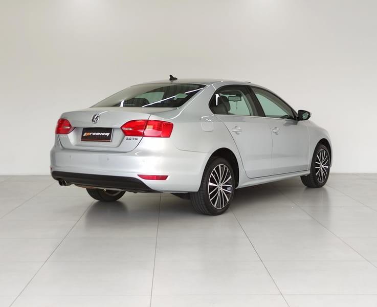 //www.autoline.com.br/carro/volkswagen/jetta-20-tsi-highline-16v-gasolina-4p-turbo-dsg/2013/curitiba-pr/15651742