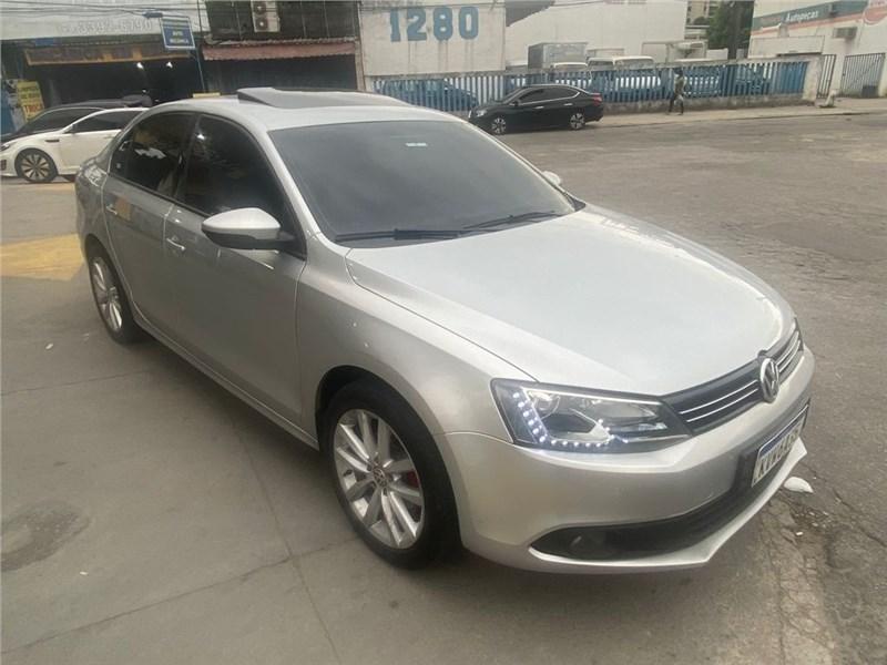 //www.autoline.com.br/carro/volkswagen/jetta-20-comfortline-8v-flex-4p-tiptronic/2013/rio-de-janeiro-rj/15704865