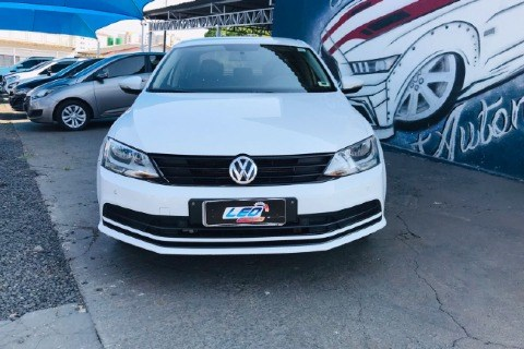 //www.autoline.com.br/carro/volkswagen/jetta-14-tsi-trendline-16v-gasolina-4p-turbo-tiptro/2016/caldas-novas-go/15789900