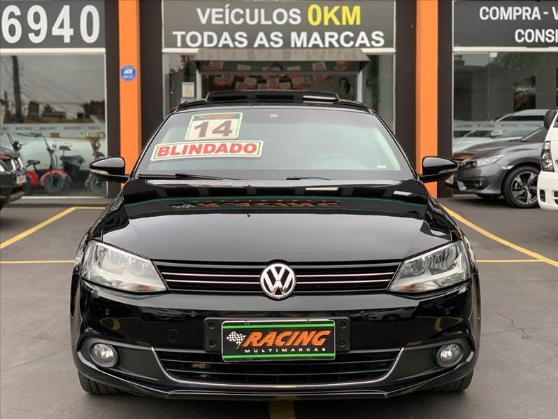 //www.autoline.com.br/carro/volkswagen/jetta-20-tsi-highline-16v-gasolina-4p-turbo-dsg/2014/sao-paulo-sp/15826414