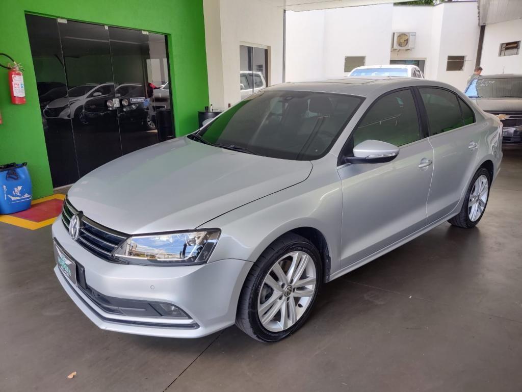//www.autoline.com.br/carro/volkswagen/jetta-20-tsi-highline-16v-gasolina-4p-turbo-dsg/2016/ribeirao-preto-sp/15868495