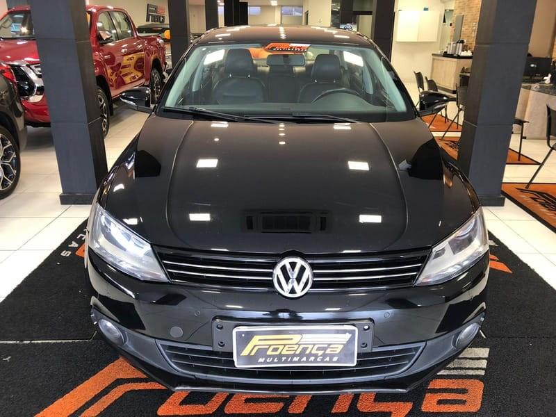 //www.autoline.com.br/carro/volkswagen/jetta-20-comfortline-8v-flex-4p-tiptronic/2013/curitiba-pr/15868618