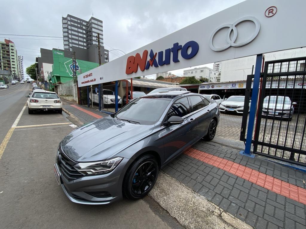 //www.autoline.com.br/carro/volkswagen/jetta-14-250-tsi-comfortline-16v-flex-4p-turbo-tipt/2020/chapeco-sc/15879695