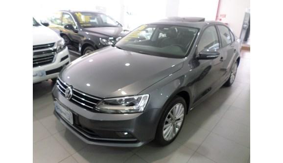 //www.autoline.com.br/carro/volkswagen/jetta-14-comfortline-16v-sedan-gasolina-4p-automati/2016/mogi-das-cruzes-sp/6757241