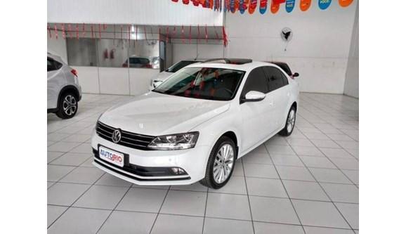 //www.autoline.com.br/carro/volkswagen/jetta-14-comfortline-16v-sedan-gasolina-4p-automati/2017/criciuma-sc/7065458
