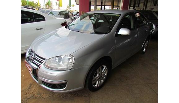 //www.autoline.com.br/carro/volkswagen/jetta-25-20v-sedan-gasolina-4p-automatico/2010/brasilia-df/7078584