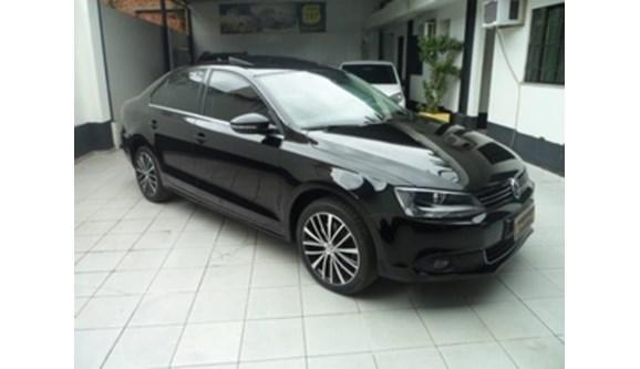//www.autoline.com.br/carro/volkswagen/jetta-20-highline-16v-sedan-gasolina-4p-dsg/2014/cascavel-pr/7918777
