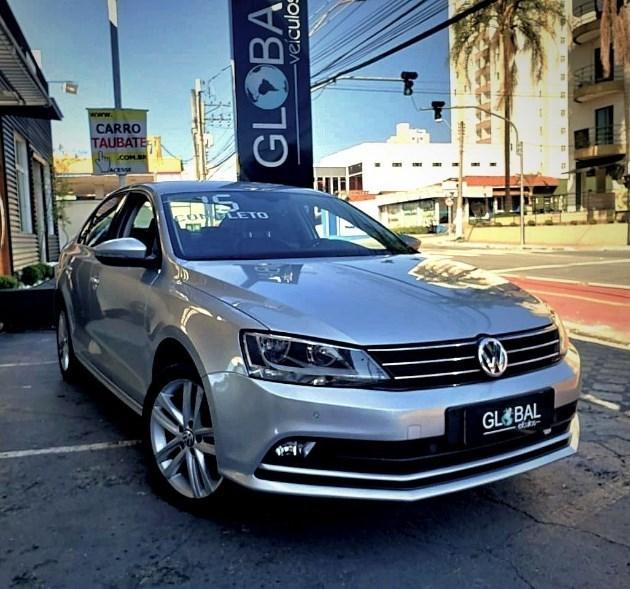 //www.autoline.com.br/carro/volkswagen/jetta-20-tsi-highline-16v-gasolina-4p-turbo-dsg/2015/taubate-sp/7976506