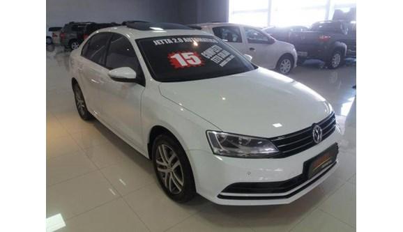 //www.autoline.com.br/carro/volkswagen/jetta-20-comfortline-8v-sedan-flex-4p-automatico/2015/sao-paulo-sp/8060944