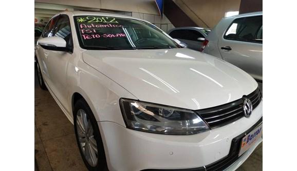 //www.autoline.com.br/carro/volkswagen/jetta-20-highline-16v-sedan-gasolina-4p-dsg/2012/presidente-prudente-sp/8125247