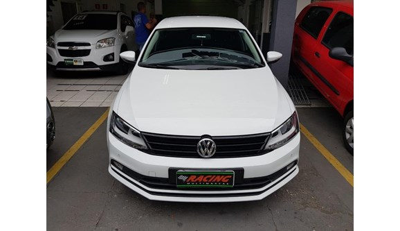 //www.autoline.com.br/carro/volkswagen/jetta-14-trendline-16v-sedan-gasolina-4p-automatico/2016/sao-paulo-sp/8689865