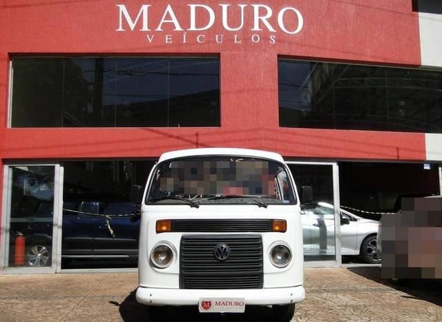 //www.autoline.com.br/carro/volkswagen/kombi-14-standard-lotacao-mi-78cv-4p-flex-manual/2014/araraquara-sp/13070755
