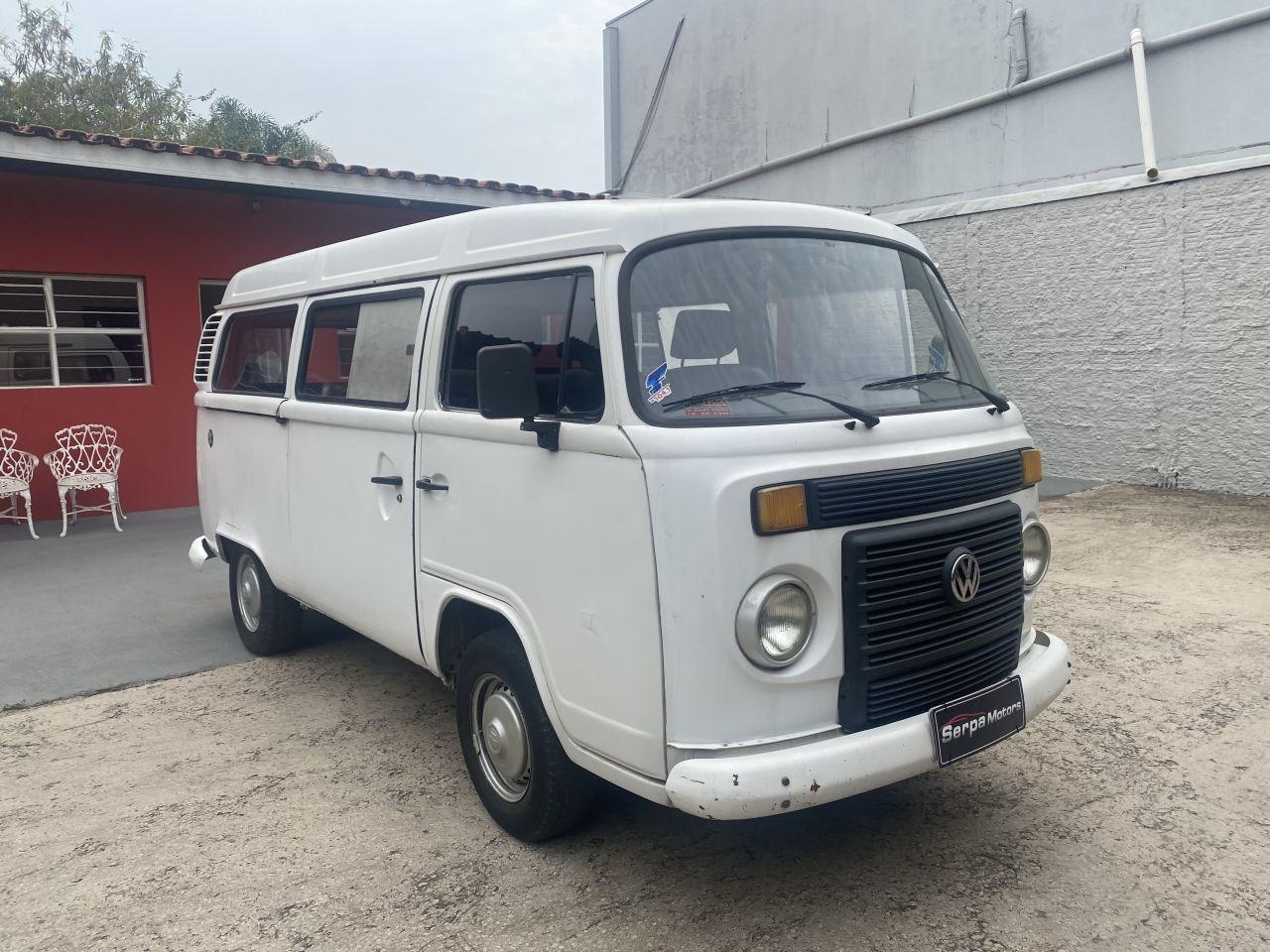 //www.autoline.com.br/carro/volkswagen/kombi-14-furgao-8v-flex-4p-manual/2011/itu-sp/15780588