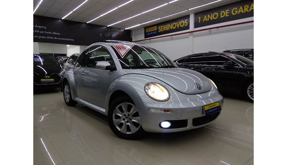 //www.autoline.com.br/carro/volkswagen/new-beetle-20-8v-gasolina-2p-automatico/2008/sao-paulo-sp/5997166