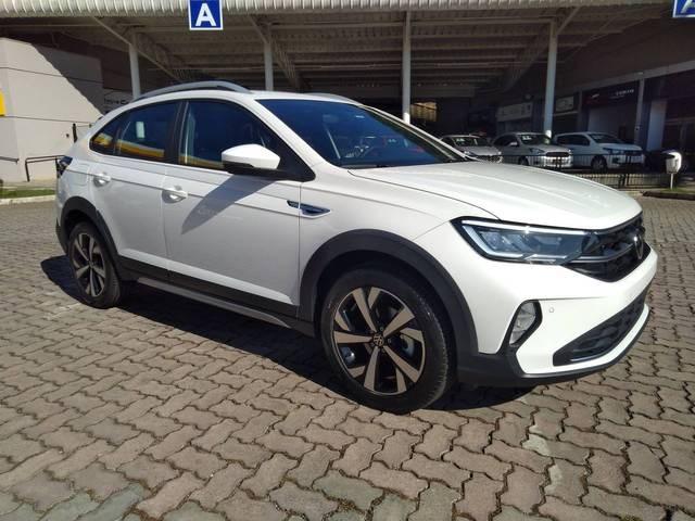 //www.autoline.com.br/carro/volkswagen/nivus-10-200-tsi-highline-12v-flex-4p-turbo-automat/2021/juiz-de-fora-mg/14900188