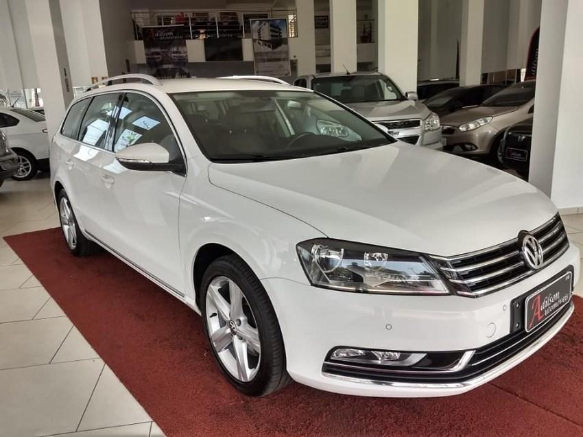 //www.autoline.com.br/carro/volkswagen/passat-20-tsi-variant-16v-gasolina-4p-turbo-dsg/2014/palmeira-das-missoes-rs/12245894