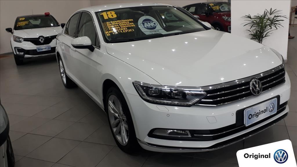 //www.autoline.com.br/carro/volkswagen/passat-20-tsi-highline-16v-gasolina-4p-turbo-dsg/2018/sao-paulo-sp/12657392