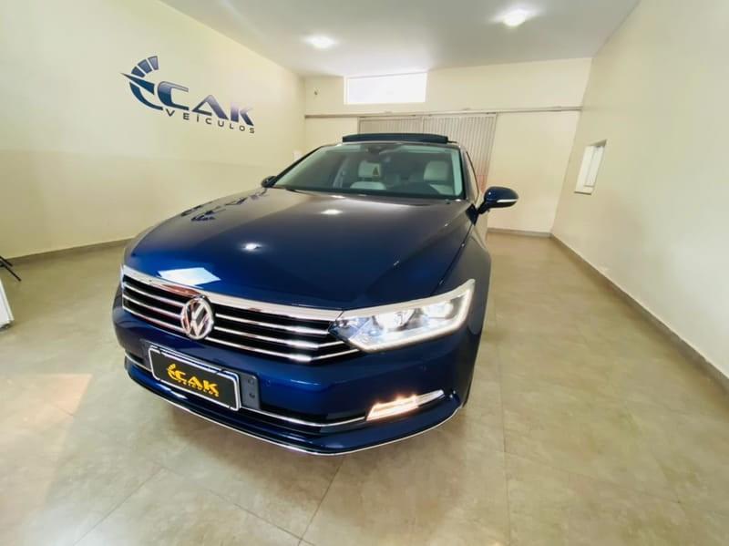 //www.autoline.com.br/carro/volkswagen/passat-20-tsi-highline-16v-gasolina-4p-turbo-dsg/2019/brasilia-df/14842544