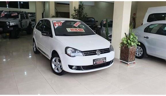 //www.autoline.com.br/carro/volkswagen/polo-16-hatch-sportline-8v-flex-4p-i-motion/2014/sao-paulo-sp/12612072