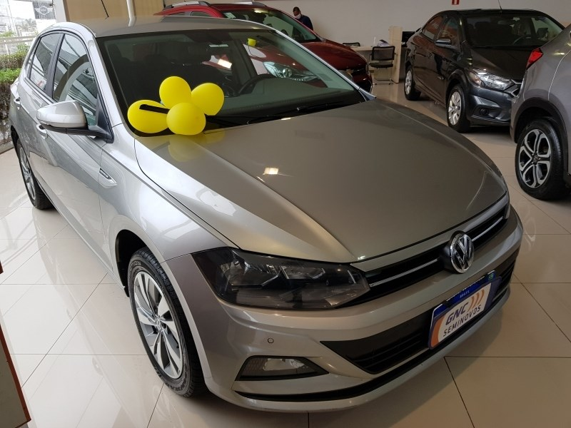 //www.autoline.com.br/carro/volkswagen/polo-10-hatch-200-tsi-comfortline-12v-flex-4p-turb/2020/salvador-ba/14468192
