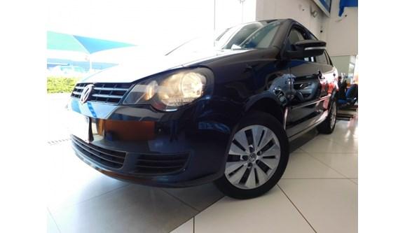 //www.autoline.com.br/carro/volkswagen/polo-16-8v-sedan-flex-4p-i-motion/2014/campinas-sp/6944909