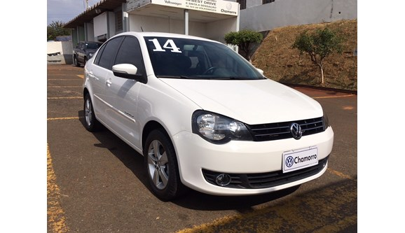 //www.autoline.com.br/carro/volkswagen/polo-16-comfortline-8v-sedan-flex-4p-manual/2014/itapeva-sp/5911683
