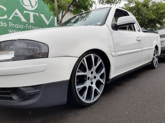 //www.autoline.com.br/carro/volkswagen/saveiro-16-8v-flex-2p-manual/2009/aracatuba-sp/10707608