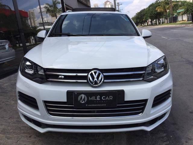 //www.autoline.com.br/carro/volkswagen/touareg-42-v8-fsi-40v-gasolina-4p-4x4-automatico/2013/sao-paulo-sp/13129413